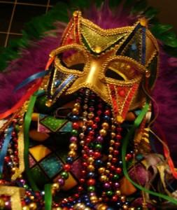 phoca_thumb_l_mardigrasmasquerade3ofcups3